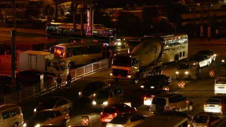 безопасный : Many cars on road,traffic jam at night,crossroads,junctions.