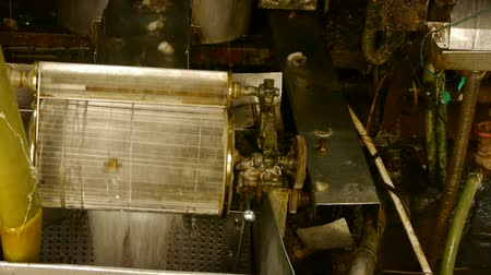 coton : Titubant de la machine et la machine textile en fonctionnement.