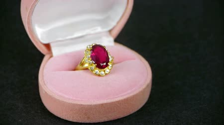 halkalar : Rotation of ruby diamond ring.