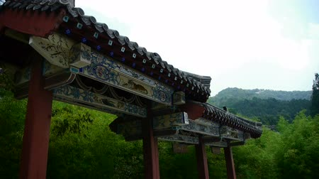 dağ evi : China ancient architecture in bamboo forest,mountain hill,carved beams,painted buildings.