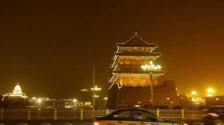 tradicional : Beijing ancient building night scene & timelapse busy traffic.