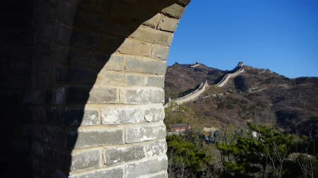great wall of china : view Great wall from battlements lookouts,China ancient defense engineering. Stock Footage