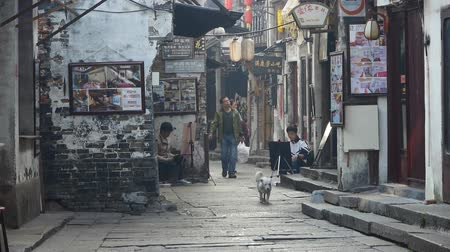 tradicional : traditional Chinese old town houses & street,Chinese residents life,some students drawing.   Vídeos