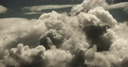 céu : Panoramic of time lapse white puffy cloud mass in sky,heaven scene,mushroom-cloud,Tibet plateau climate. Vídeos
