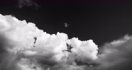 puffy clouds : Panoramic of time lapse white puffy cloud mass in sky,heaven scene,mushroom-cloud,Tibet plateau climate. Stock Footage