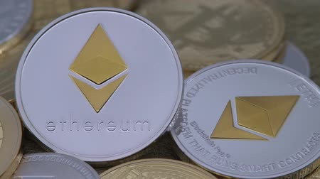 dançarinos : 4K Physical metal silver Ethereum currency over others coins. Worldwide virtual internet money. Digital Etherum coin cyberspace, cryptocurrency ETH. Good investment future online-Dan