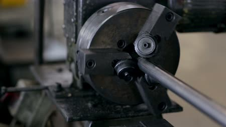 demirli : Work makes steel detail of on the machine Stok Video