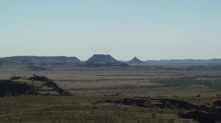 trave : Panoramic view of the australian outback