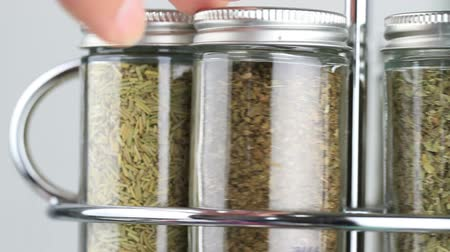 alecrim : spice rack being used