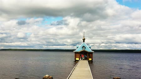 церковь : Chapel on water in Vazheozersky monastery, Karelia, Russia