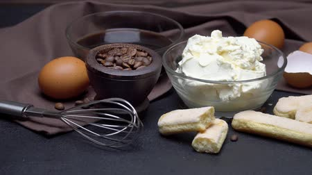 composição : frame made of Ingredients for making traditional Italian dessert Tiramisu