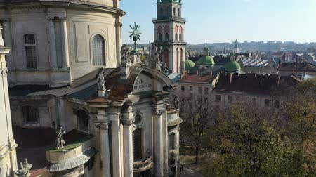 купол : Aerial video of Dominican Church in central part of old city of Lviv, Ukraine