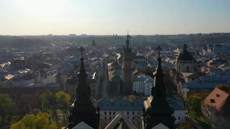 купол : Aerial video of Saint Mikhail Church in in central part of old city of Lviv, Ukraine Стоковые видеозаписи