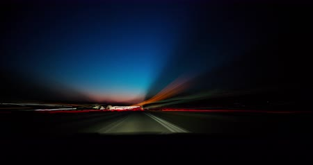 prędkość : Highway Time-lapse Day to Night with Vehicle Dashboard. a time-lapse from the view inside a vehicle dashboard driving on the highway from day to night Wideo