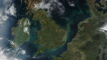 spaziale : Regno Unito UK From Space lento Zoom Filmati Stock