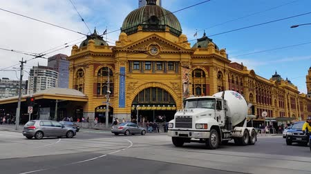 Виктория : Melbourne City Victoria Australia - Establishing shot of Flinders Street Station