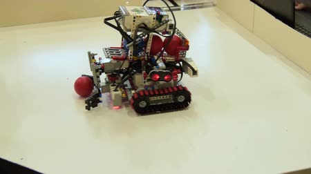 Demonstration of robot collecting balls. School project in robotics