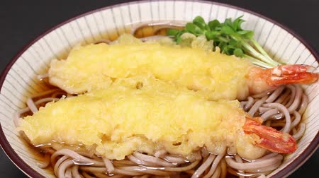 trigo sarraceno : Soba (Japanese buckwheat noodles) with Prawn tempura