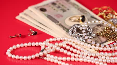 naszyjnik : Japanese yen bills and jewelry Wideo