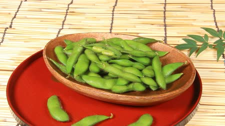bamboo curtain : Edamame, green soybeans Stock Footage