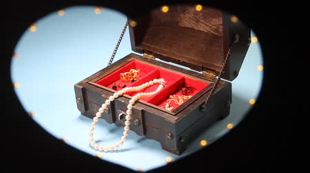 picture box : Heart shaped Illumination and Jewelry