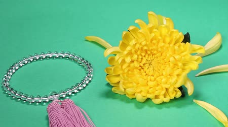 boncuklar : Yellow Chrysanthemum and Beads  Rosary