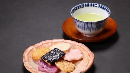 rice cake : Japanese rice crackers and tea