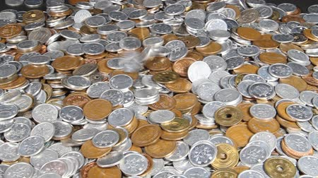 allowance : falling a lot of Japanese coins Stock Footage