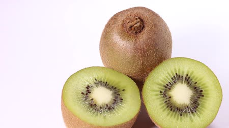 yellowish green : Kiwi and cross section of Kiwi