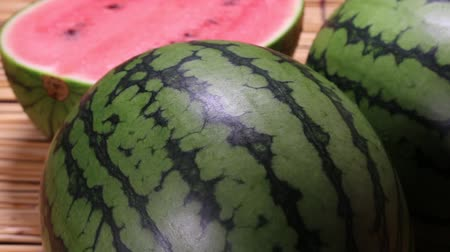 複数 : Small Watermelon close up rotating