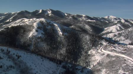 alpy : aerial shot of snowy mountains