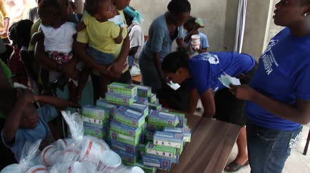 homeless : vaccination clinic supplies in Haiti