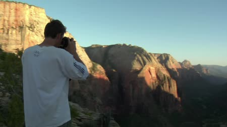 фотосъемка : Slow-motion of photographer in National Park