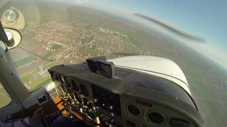 instrumento : Cockpit View from Small Aircraft