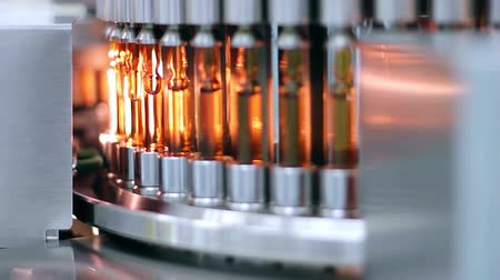 gyógyszertár : Medical Ampules on the Production Line - Automated Production of Medicines