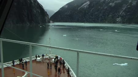 Cruise ship in Alaska timelapse