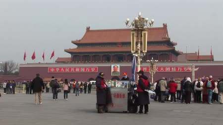 коммунизм : China Beijing Tiananmen square Стоковые видеозаписи