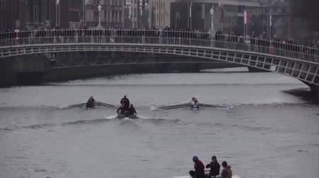 каноэ : Dublin River Liffey Rowing Race St Patricks Festival
