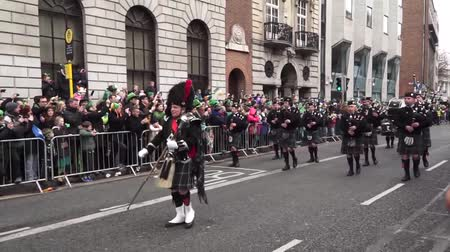 procession : St Patricks Day Dublin Parade Bagpipes Stock Footage
