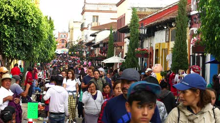 representante : CHIAPAS, MEXICO-CIRCA AUGUST 2018: Tourists, indigenous and local people walking in the street in San Cristobal de las Casas. TAKE 4
