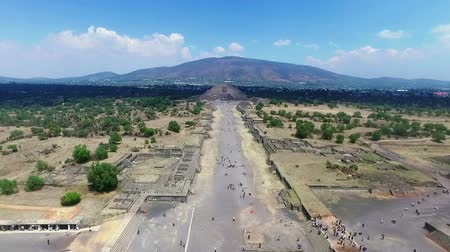 chov : Aerial view of the Moon pyramid in the ceremonial complex of Teotihuacan in Estado de Mexico, Mexico. (TAKE 2)