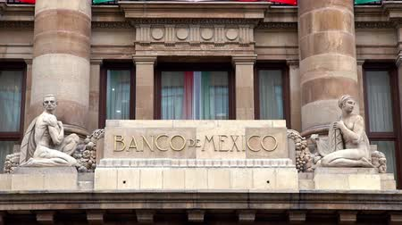 cdmx : MEXICO CITY, MEX. 260918 (CLOSE UP). View of the logo of the Central Bank of Mexico. An institution whose main objective is to ensure the stability of the purchasing power of the national currency. Stock Footage