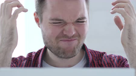 desesperado : Frustrated Young Man Reacting to Financial Problem Stock Footage