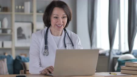 vzdálený : Online Lady Doctor Online Video Chat