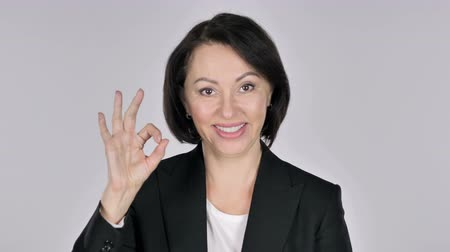 kapatmak : Portrait of Businesswoman Gesturing Okay Sign Stok Video