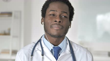 в чате : Online Video Chat by African Doctor