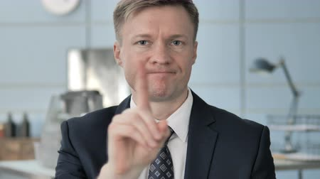 elutasít : No, Businessman Rejecting by Waving Finger
