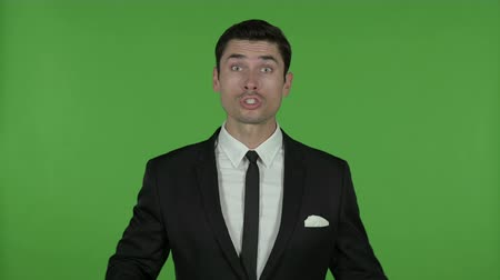 gritar : Upset Young Businessman doing Argument, Chroma Key Vídeos