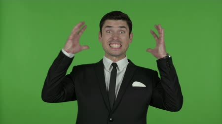 gritar : Frustrated Young Businessman Shouting, Chroma Key