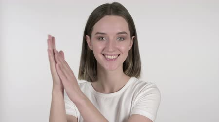 hayranlık : Clapping Young Woman Applauding on White Background Stok Video